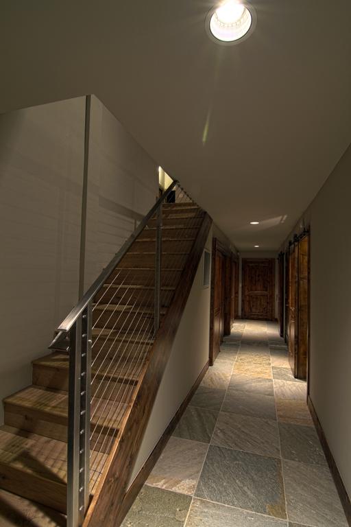 nstar2hallway